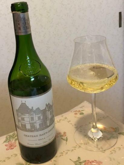 シャトー・オー・ブリオン・ブランとバカラのワイングラス