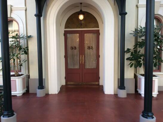 クラブ33の入口