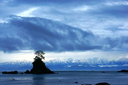 富山の雨晴海岸