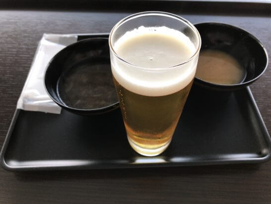 ダイヤモンド・プレミアラウンジ(羽田)のビール・オニオンスープ・味噌汁