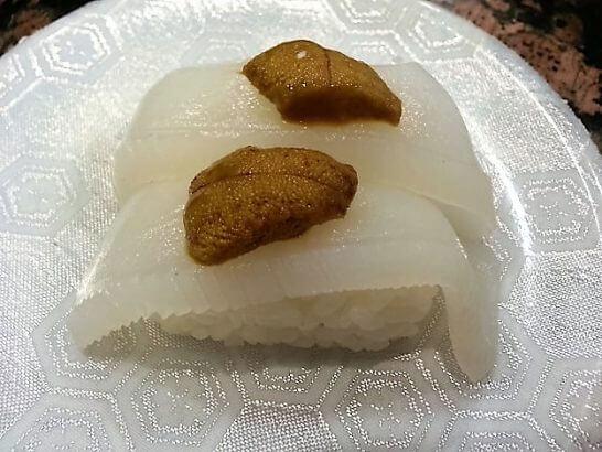海鮮三崎港のうにと魚の寿司