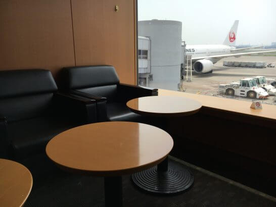 羽田空港のエアポートラウンジ(北)