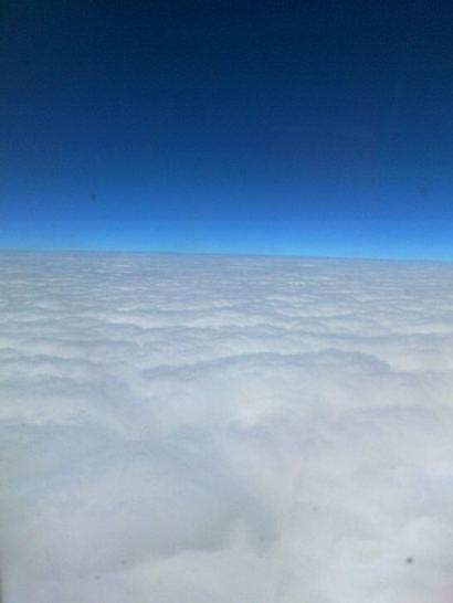 ANAの飛行機の窓からの景色