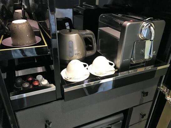 セントレジス大阪のコーヒーマシン・食器類
