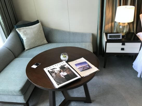 セントレジスホテル大阪のソファー
