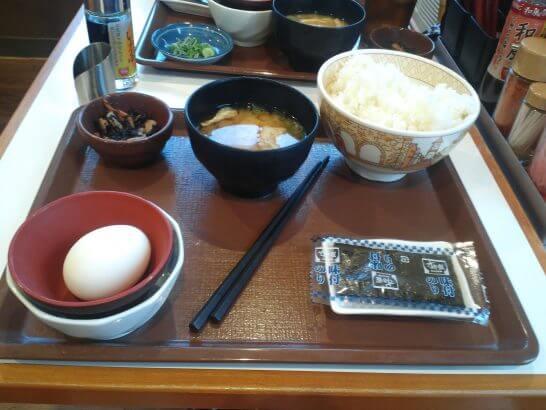 すき家の朝食
