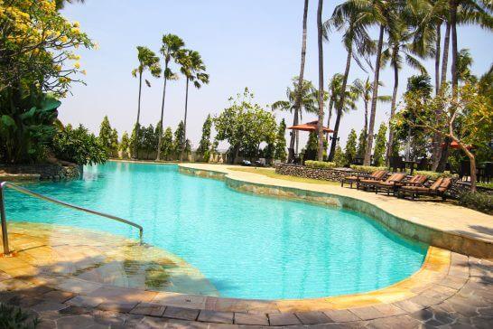 インドネシアのマリオットのプール