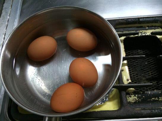 Oisixの卵を茹でるところ
