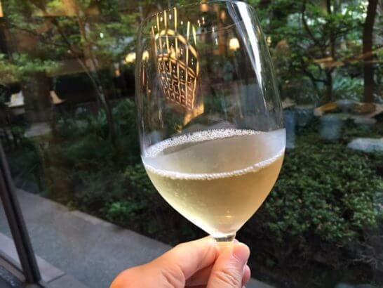 ホテルニューオータニ幕張 千羽鶴の白ワイン