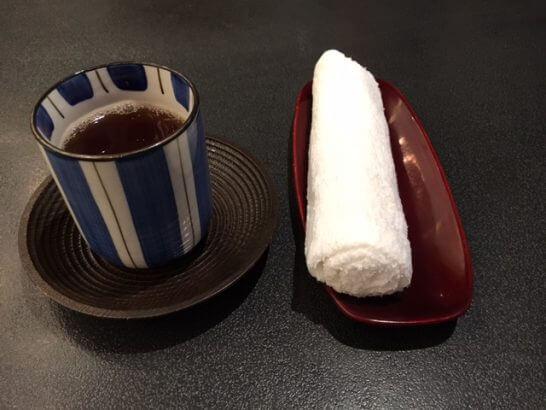 ホテルニューオータニ幕張 千羽鶴のおしぼり・ほうじ茶