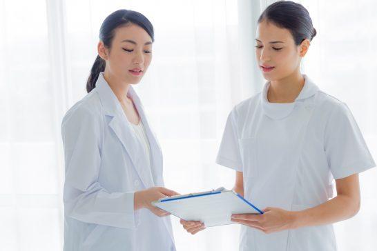 女性の医者