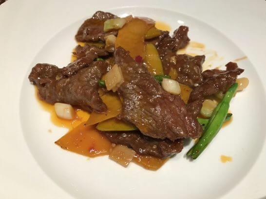 牛肉とカボチャの辛子炒め