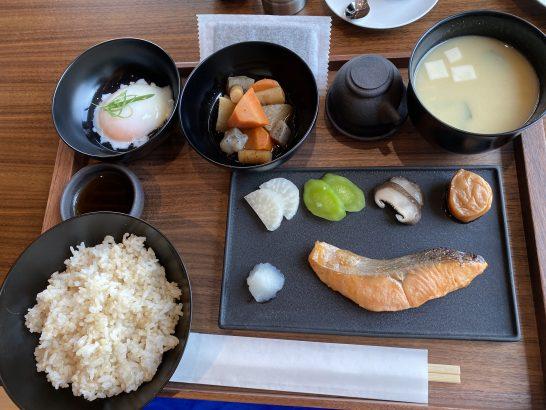 東京エディション虎ノ門の朝食(和食)