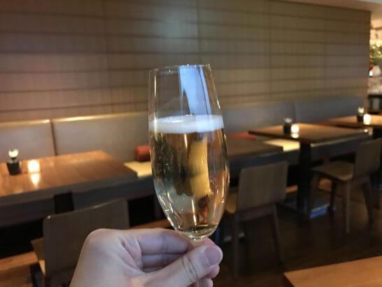 グランドハイアット東京のグランド クラブのシャンパン
