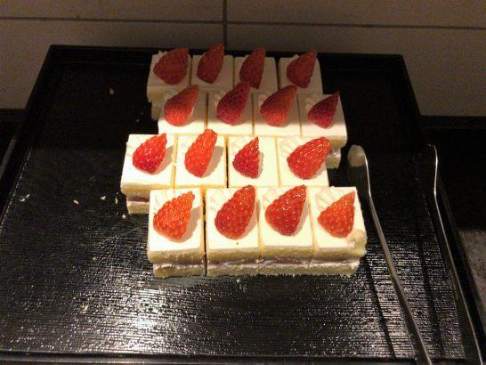 東京マリオットのラウンジのアフタヌーンティーのショートケーキ
