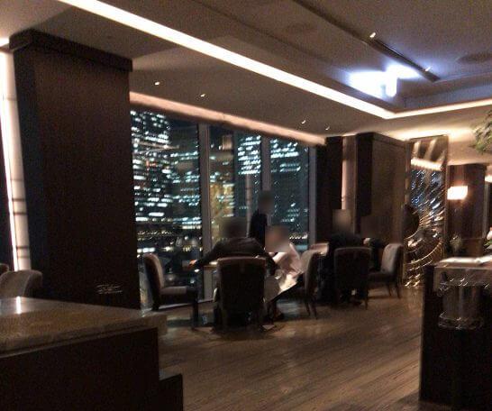 フォーシーズンズホテル丸の内 東京のMOTIFの店内2