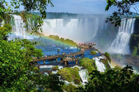ブラジルのイグアスの滝