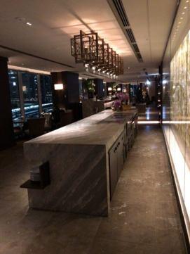 フォーシーズンズホテル東京のMOTIFの店内