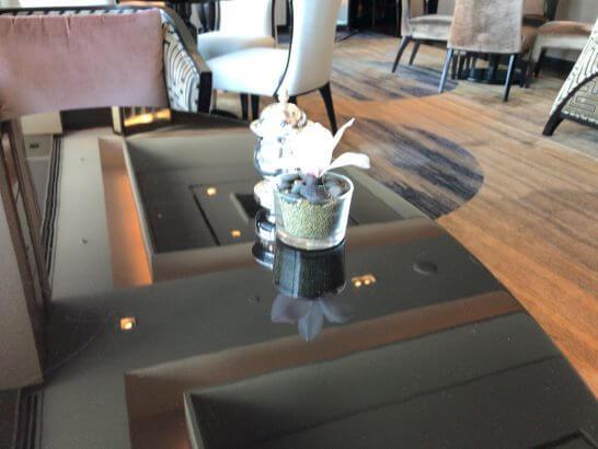 ホライゾンクラブのテーブル