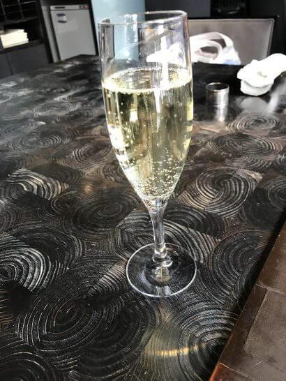 帝国ホテル東京の讃アプローズのスパークリングワイン