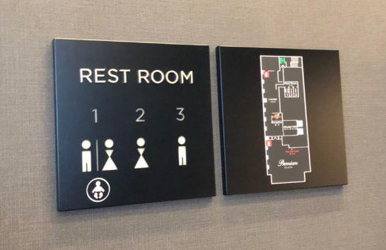 ダイナースクラブ 銀座プレミアムラウンジのトイレの空き状況がわかるパネル
