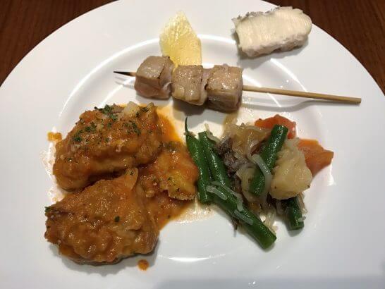 グランドハイアット東京のグランドクラブ ラウンジの肉料理・肉じゃが・チーズ