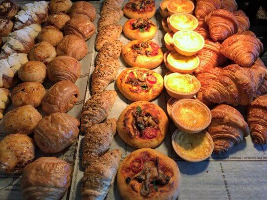 ピャチェーレの朝食ビュッフェのパン類 (3)