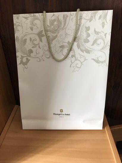 シャングリラホテル東京の紙袋