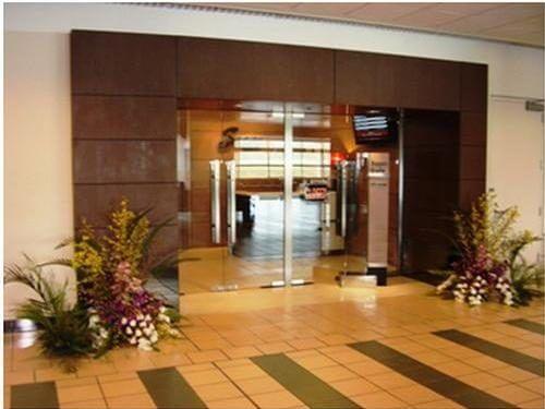 グアム国際空港のSagan Bisitaの入口