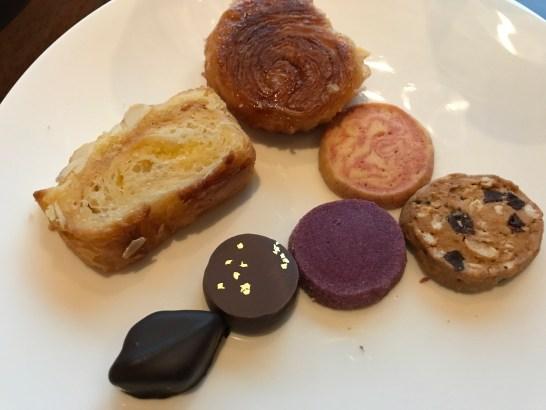 ザ・プリンスギャラリー 東京紀尾井町のクラブラウンジの甘いパン・クッキー