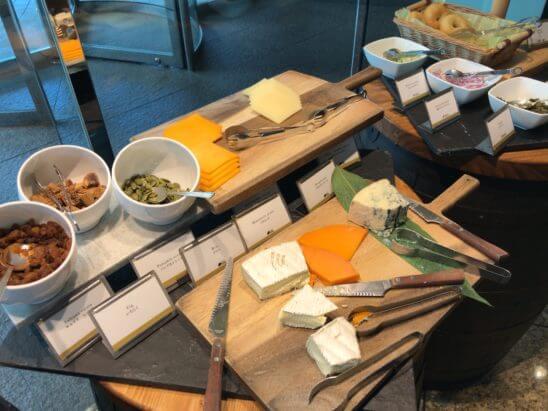 ANAインターコンチネンタルホテル東京の朝食のチーズ