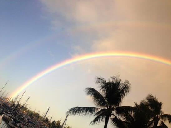 海外リゾートの虹