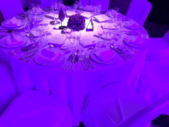 SPGガラディナーのテーブル