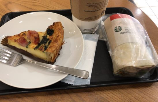 スターバックスの食べ物とコーヒー