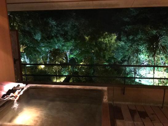 箱根吟遊の客室露天風呂