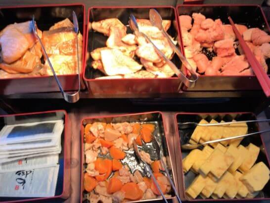 東京マリオットホテルの朝食の魚・明太子・煮物
