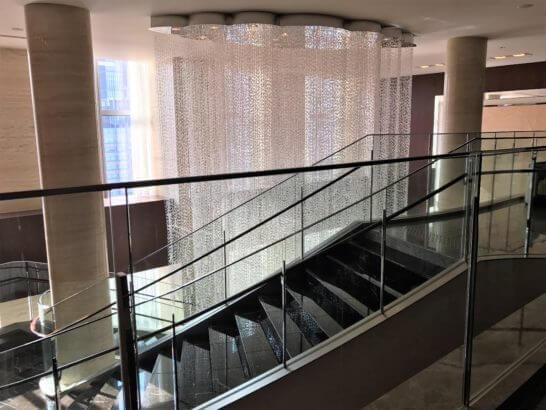 シャングリ・ラ ホテル東京の階段