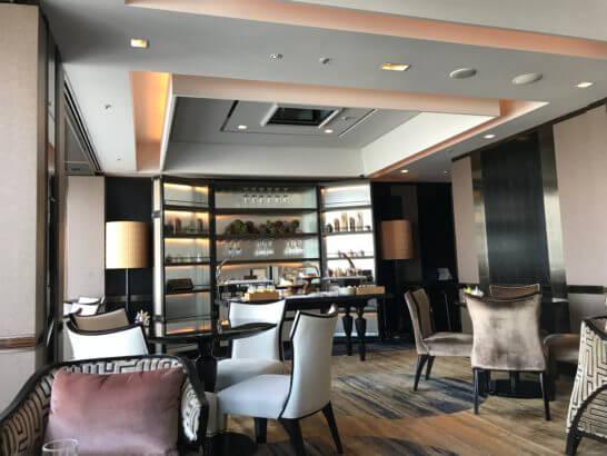 シャングリ・ラ ホテル東京のホライゾンクラブの食事があるコーナー
