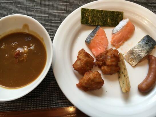 吉祥寺第一ホテルの朝食 (カレーとホットミール)