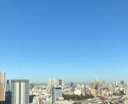 東京マリオットホテルの客室からの青空 (2)