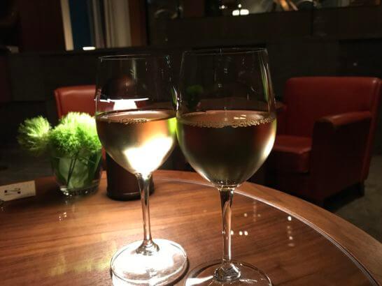 アンダーズ東京のタヴァンの白ワイン