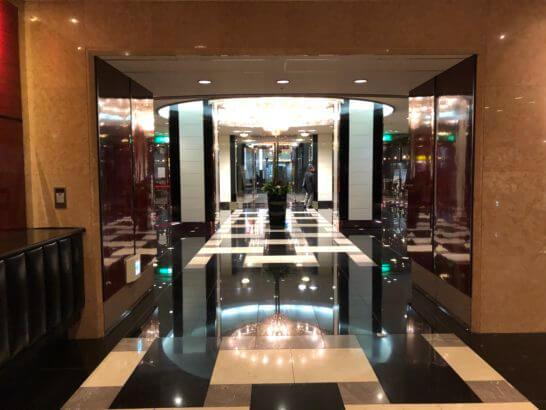 立川グランドホテルのロビー