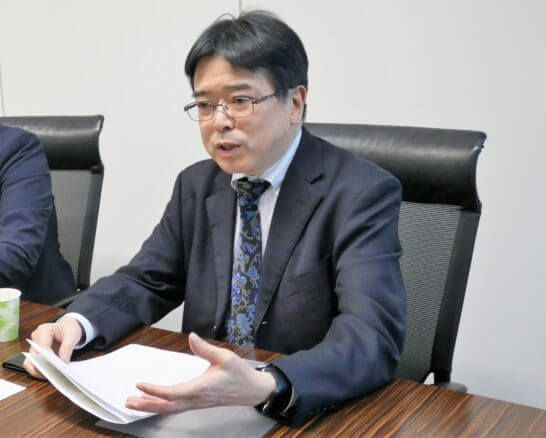 SBI証券の橋本さん、鳴海さん (4)