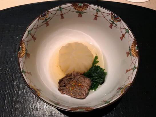 ひのきざかの菊花蕪含め煮 牛筋 春菊 七味