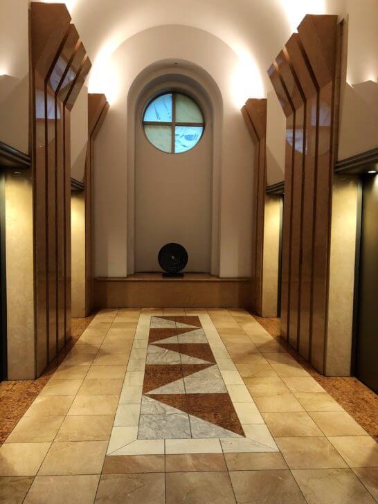 ジャックス本社の恵比寿ネオナートのエレベーター