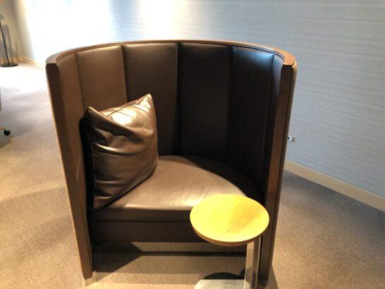 サクララウンジ(羽田空港国際線)のソファー席