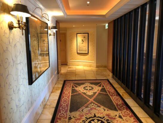 ウェスティンホテル東京の22Fのトイレへの道