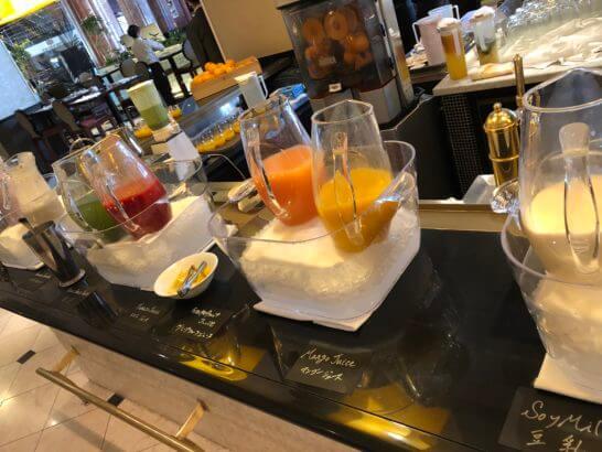ウェスティンホテル東京のザ・テラスのフレッシュジュース・ミルク