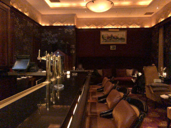 ウェスティンホテル東京のザ・バーのソファー席