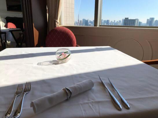 フレンチレストランビクターズのテーブル